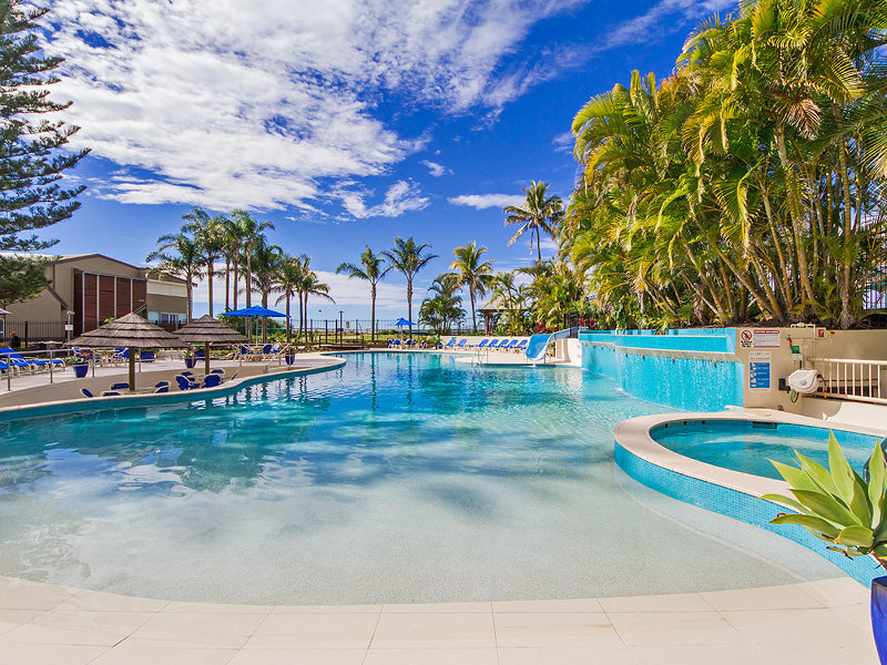 Best Summer Family Accommodation on Palm Beach Gold Coast